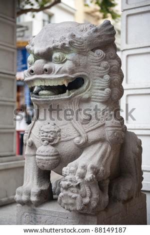 Dragon statue at San Francisco China Town