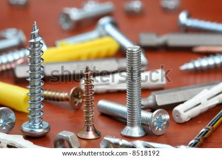 Drills, screws & Plugs