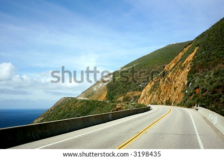 Drive along the coastal HWY 101, California