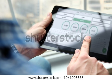 driver writing electronic  log books