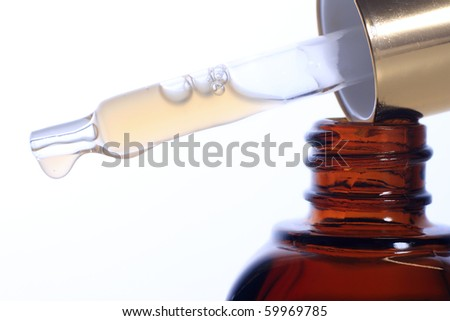Dropper filled with moisturizing concentrate