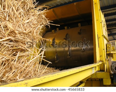 drum to the tearing apart of straw from straw combustion in a biomass boiler
