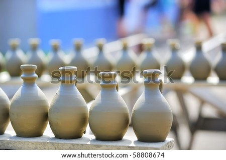 drying ceramic vase