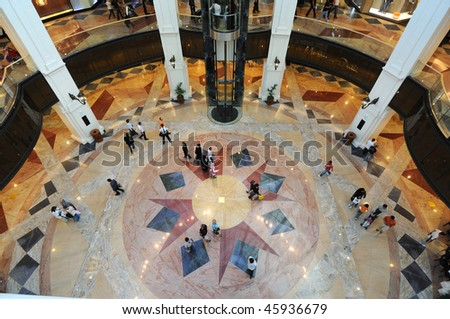 DUBAI, UAE - JAN 21: Mall of the Emirates interior January 21, 2010 in Dubai, United Arab Emirates. Mall of the Emirates is a shopping mall in the Al Barsha district of Dubai.