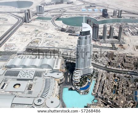 DUBAI, UAE - MAY 20 : Aerial view of Dubai downtown - Burj Dubai (Burj Khalifa) skyscraper, Dubai Mall and man-made lake with dancing fountains May 20, 2010 in Dubai, UAE.