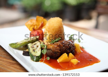 Duck magret with fruit sauce