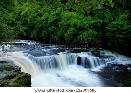 Dundaff Linn waterfall on Clyde #112309688