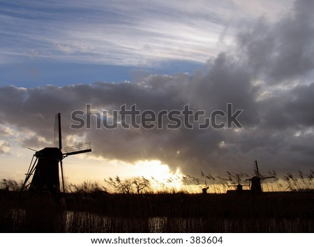 Dutch windmills in Kinderdijk 4