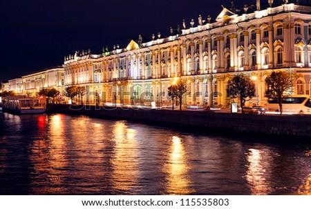 Dvortsovaya embankment at night. Saint Petersburg