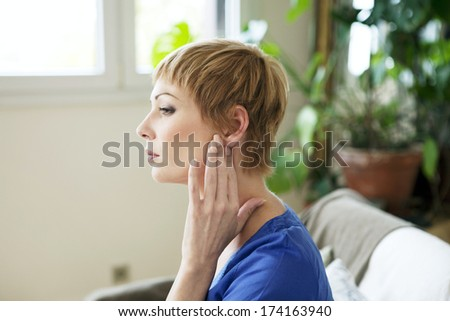 Ear Pain In A Woman