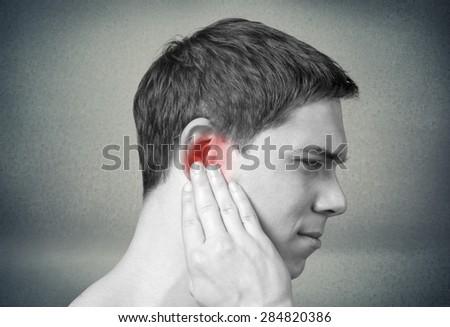 Ear, pain, pressure.