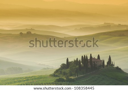 Early morning, San Quirico d�´Orcia, Tuscany, Italy