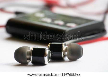 earphone, music, earphone with mp3 player.