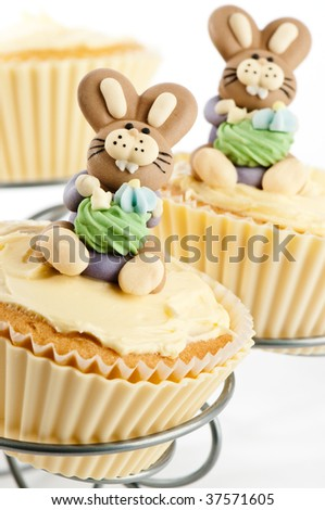 easy easter bunny cupcakes. easter bunny cake decorating