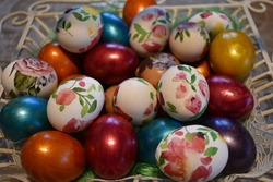 Easter eggs, mixed decoupage and metallic eggs