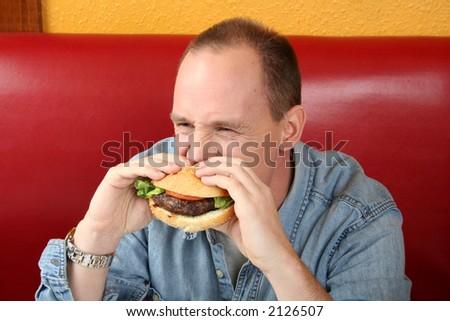 Eating hamberger