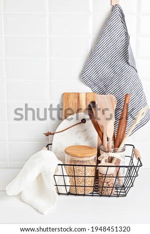 Eco friendly kitchen utensils and decoration, sustainable ethical lifestyle, zero waste storage, minimal modern kitchen interior details Foto stock ©
