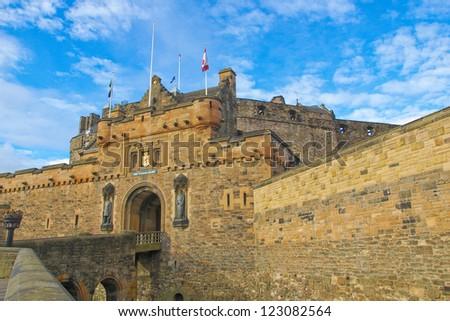 edinburgh castle in scotland ...