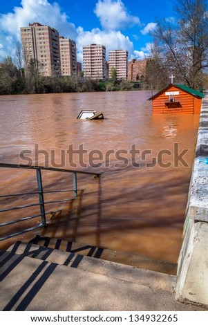 Effects of the flood in Pisuerga river, Valladolid.
