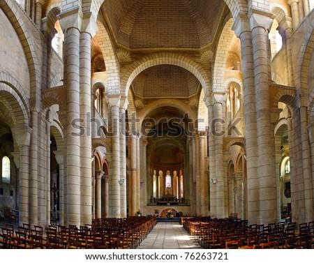 Eglise saint hilaire grand poitiers vienne poitou for Vienne poitiers