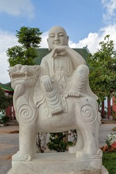 Eighteen Arhats marble Sculpture Linh Ung Pagoda, Chinese Marble Guardian Lion Statue. Sculpture Male Fu Dog