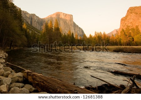 El Capitan is the largest known exposed block of granite in the world, sitting right there at the entrance of the Yosemite Valley