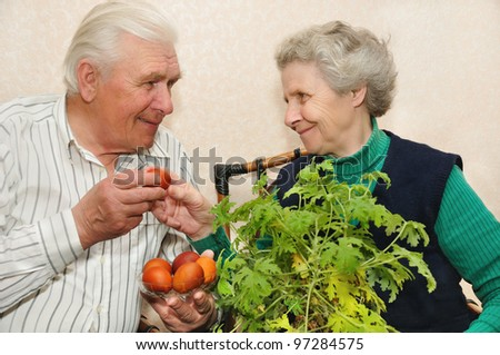 elderly couple with Easter eggs
