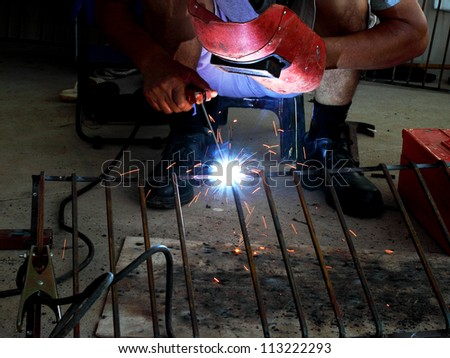 electric welding connecting square bar metal