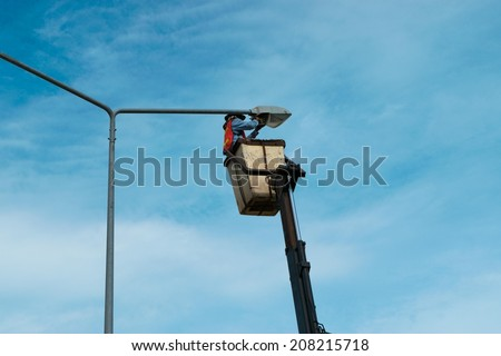 Electrician repairs on Power line