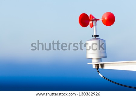 Electronic anemometer, a device for measuring wind speed