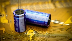 Electronic capacitor on a golden printed circuit board