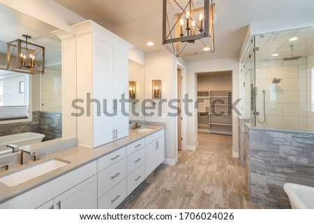 Elegant Farm House Master Bathroom with Soaking Tub Zdjęcia stock ©