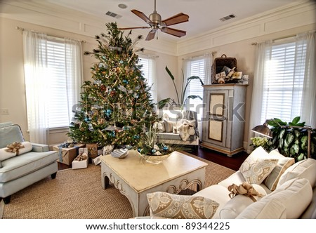 elegant livingroom decorated for christmas