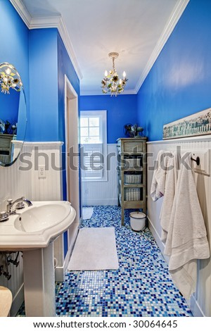 How to Decorate a Blue & Yellow Tile Bathroom | eHow.com