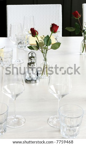 simple black and white wedding. lack and white wedding table