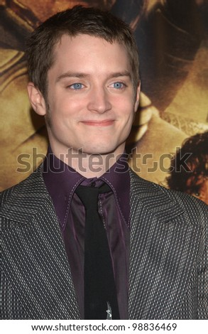 ELIJAH WOOD at the USA premiere of his new movie The Lord of the Rings: The Return of the King, in Los Angeles. December 3, 2003  Paul Smith / Featureflash