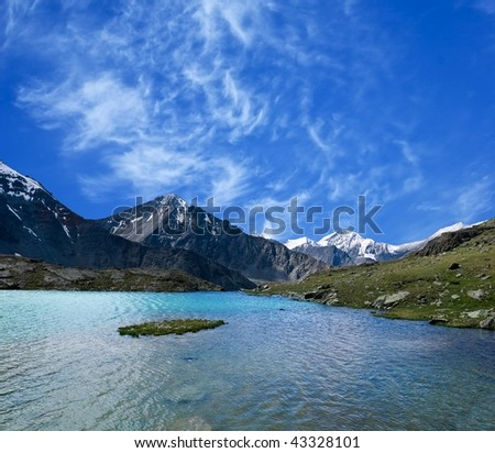 emerald lake in a mountains