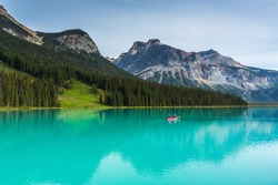 Emerald Lake in the Yoho National Park canada