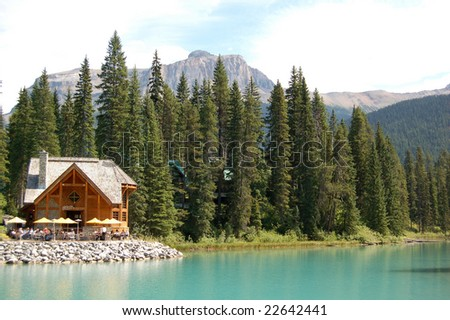 emerald lake - lodge - canada