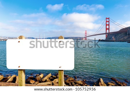 Empty blank sign or billboard with the Golden Gate Bridge in the background.  Copy space for your text. Stock fotó ©
