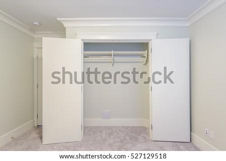 Empty Closet, Working Closet, Cupboard In Bedroom. #527129518