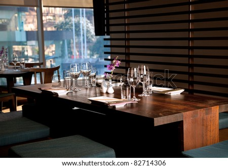 Empty table in a 5 start restaurant