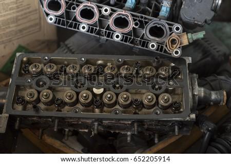 Engine block compartment under repair #652205914