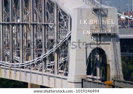 England, Cornwall, Devon, Saltash, Brunels rail bridge over the River Tamar