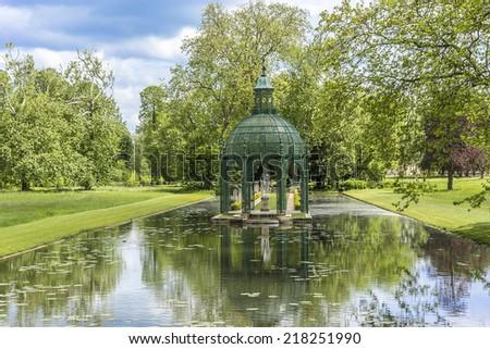 Popular free english garden jardin anglais 1817 famous for Jardin anglais chantilly