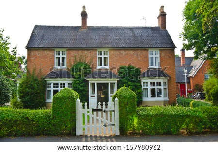 English house foto d 39 archivio 157980962 shutterstock for Houseplans vivente del sud