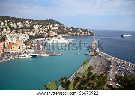 Enter to the famous port of Nice (French Riviera)