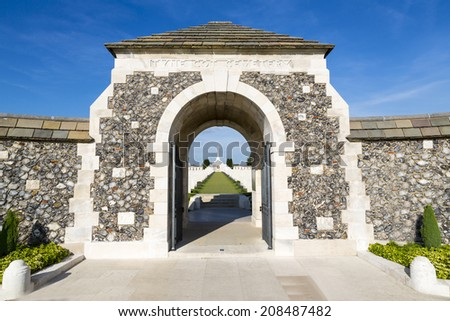 Entrance to Tyne Cot World War One Cemetery, the largest British War cemetery in the world.  near Ypres, Flanders, Zonnebeke, Belgium Stock photo ©