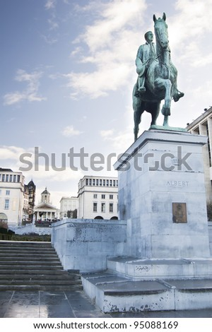 Equestrian monument of Albert I at Kunstberg park