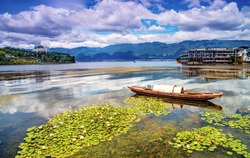 Erhai Lake, a famous tourist resort in China, is located in Dali, Yunnan Province, China